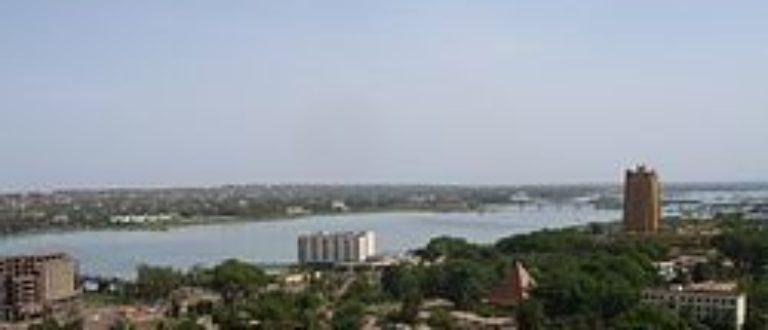 Article : Bamako reste stoïque